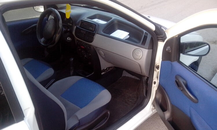 Polovni Fiat Punto 1.2 enterijer