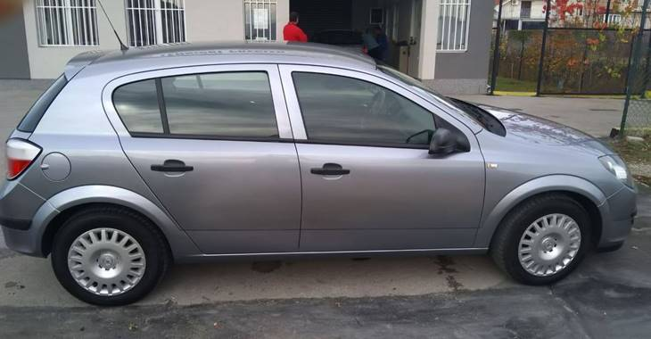 Opel Astra H polovni automobil