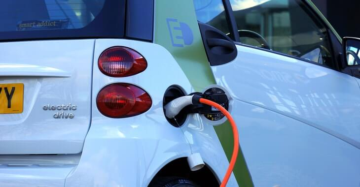Proces punjenja električnog automobila
